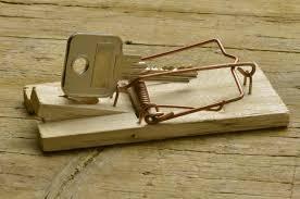 Les pièges de l'investissement immobilier : une clé dans un piège à souris